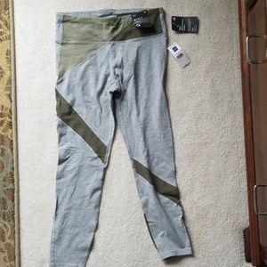 GapFit Performance Cotton leggings.  Size medium